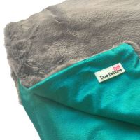 Doodlebone luxusní měkká deka, modro-zelená